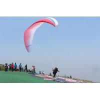 第七届林滤山国际滑翔伞公开赛开幕(图)