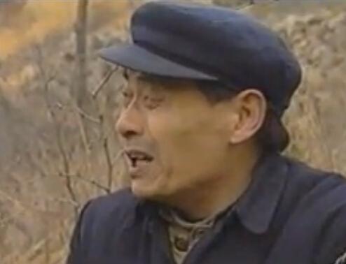 电视剧《天上下雨地上流》2 (2792播放)
