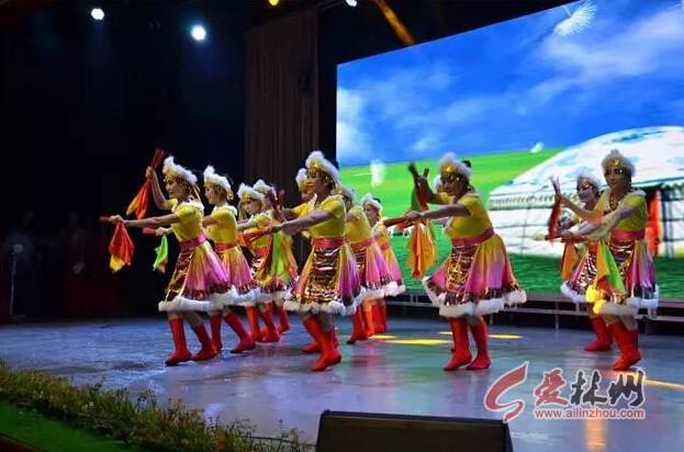 林州首场旅游演出《太行欢歌》在红旗渠演播大厅开幕