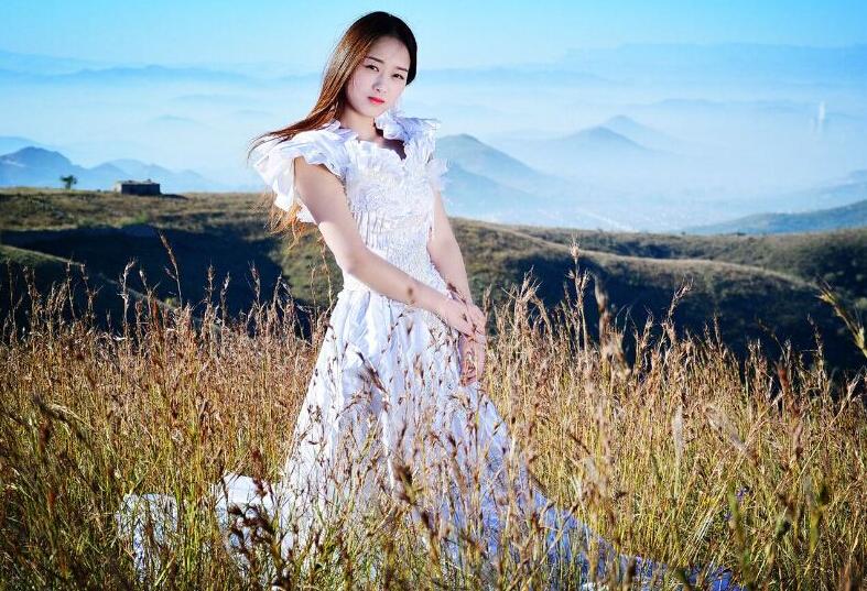 【林州摄影师宋晓宇】林州坝顶草原上的美女