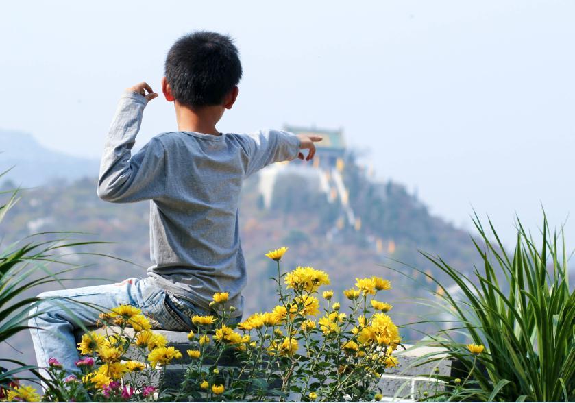 航拍:林州柏尖山 (2443播放)