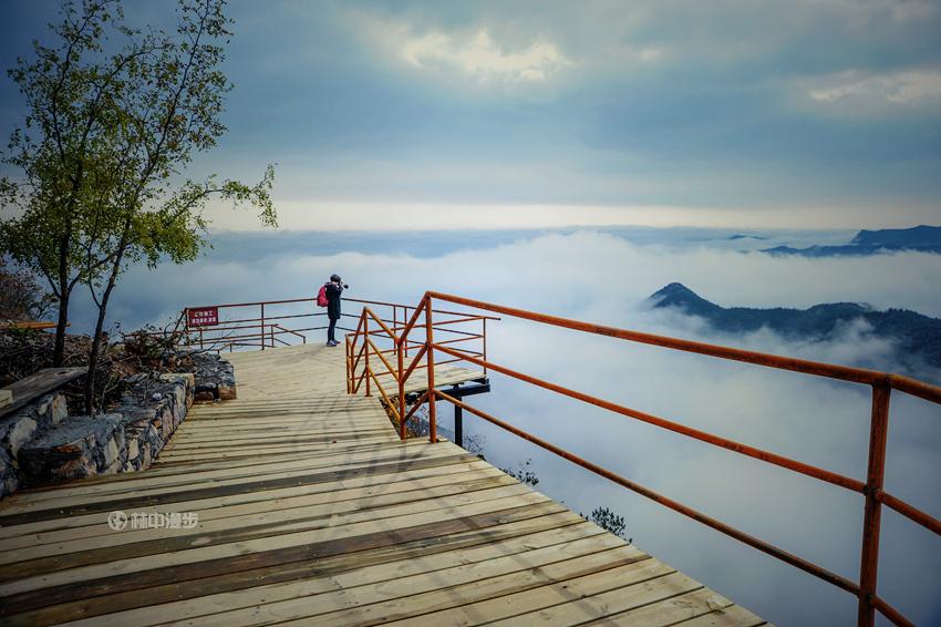 【林州摄影师林中漫步】——红叶遇云海