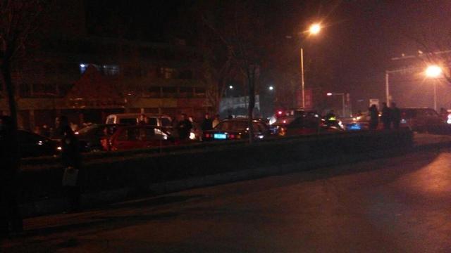 林州:西环路六車追尾 肇事司機疑似逃逸