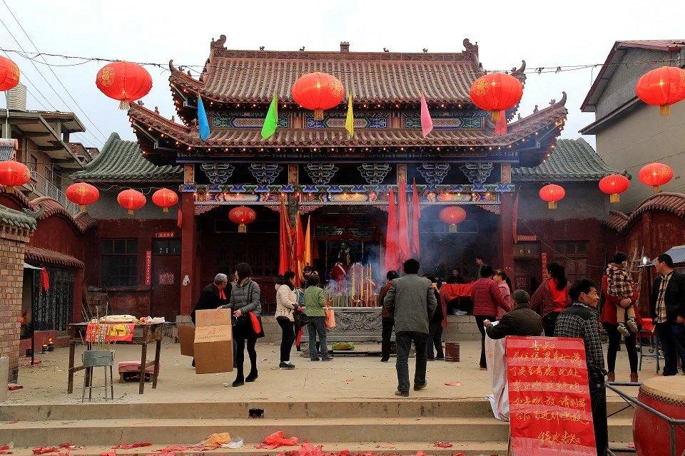 林州东姚马平村土地庙盛会开幕 万众同欢共祈福