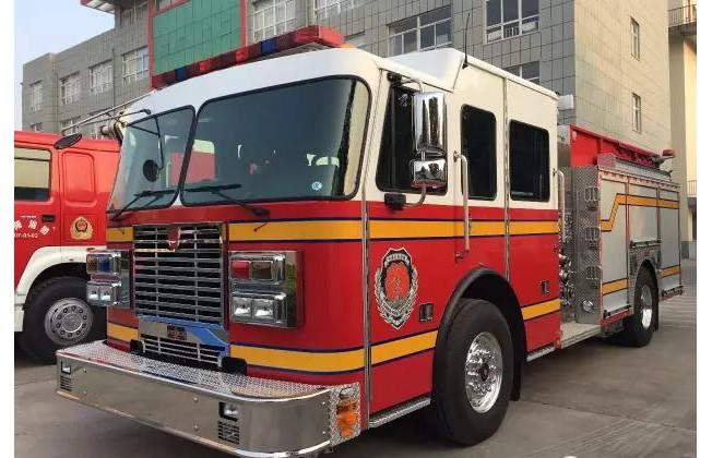 林州:消防大队新增大力赛特锋A类泡沫车消防车投入执勤