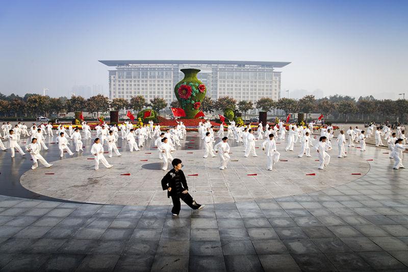 喜迎国庆——我市广场大阵势