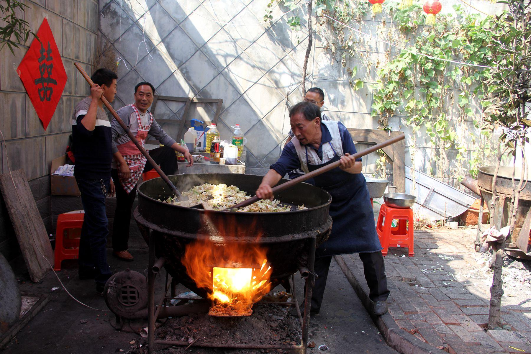 林州:特色大锅饭 本地人的最爱