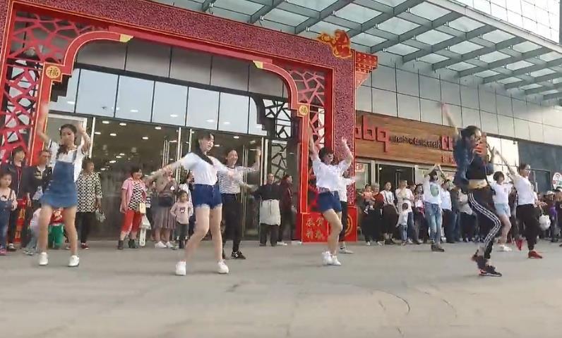 林州首部街舞千人快闪震撼来袭