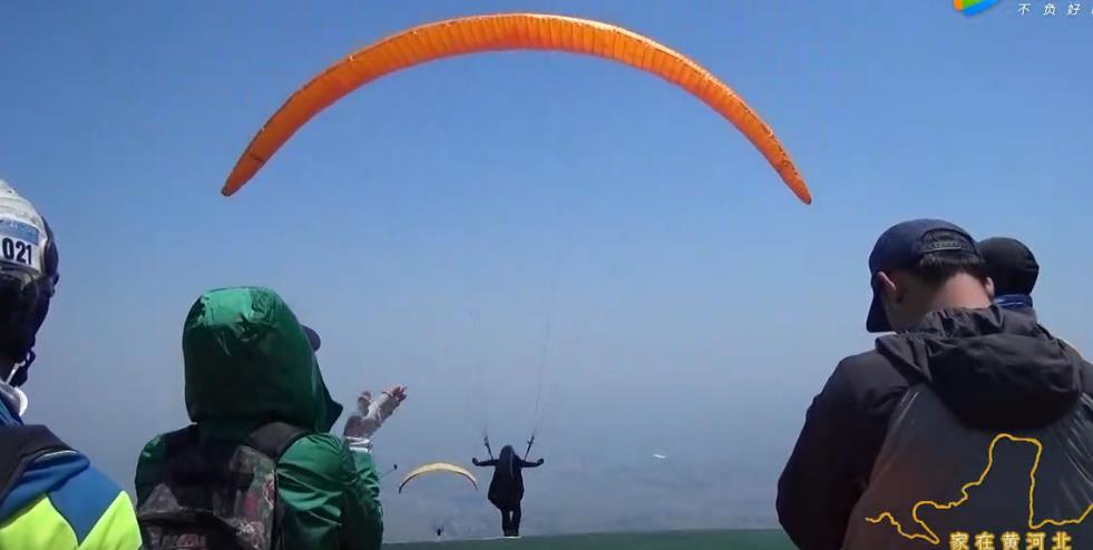 完美起飞——咱们林州滑翔伞飞行员 (7279播放)