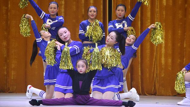 """林州55个教师健身操队上演了一场""""亮眼""""的视觉盛宴"""