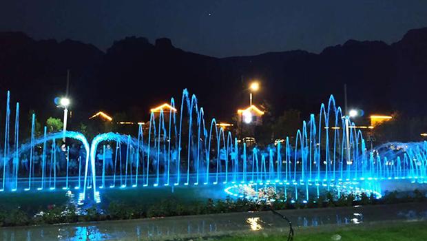 林州止方村音乐喷泉惹人醉 邀你清凉一夏