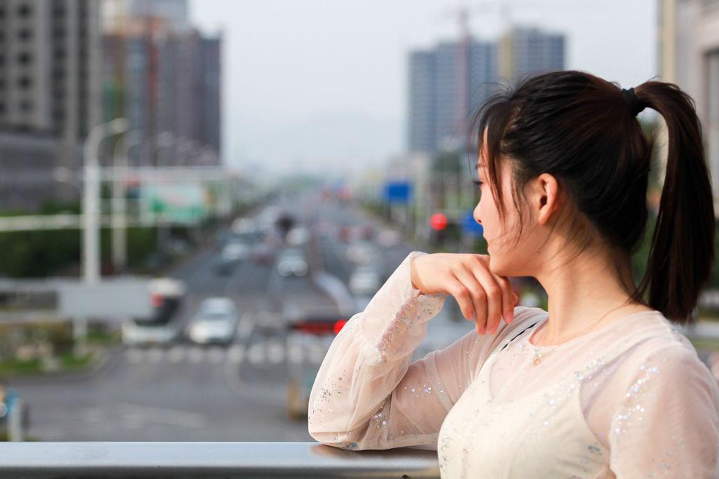林州:邻家女孩——六路口天桥人像