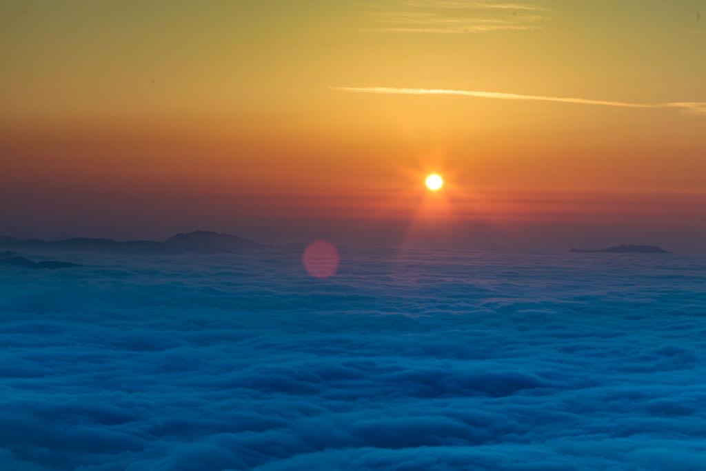 摄影纪实:林州石板岩的云海日出